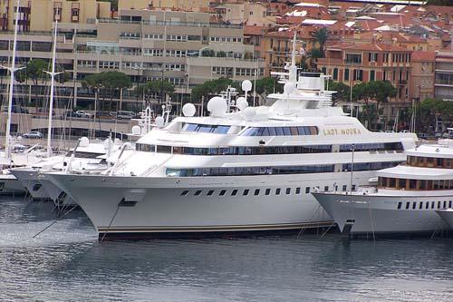 Lady Moura Yachts