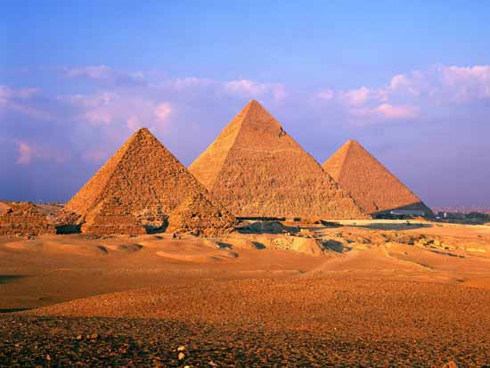 The Great Pyramids of Giza in Egypt-01