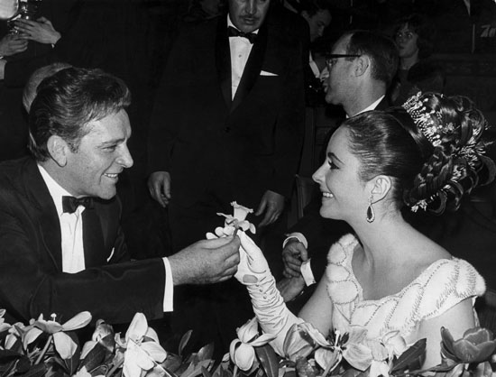 Wedding Ceremony of Elizabeth Taylor & Richard Burton-07