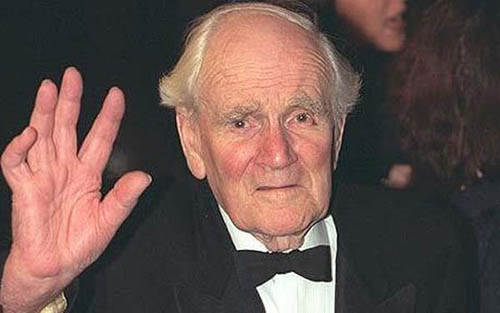 8. Desmond Llewelyn