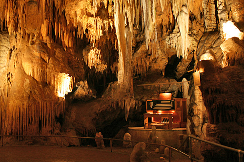 2.  Luray Cave